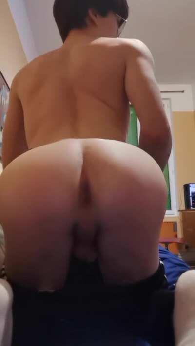 Don't mind me just a twink doing twinks stuff 🍆🍑🤭 [18]