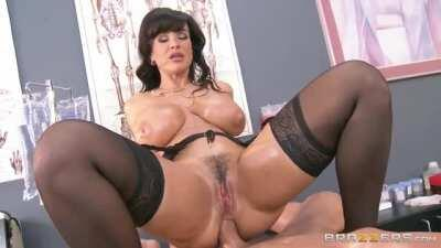 MILF Lisa Ann is a horny doctor who needs anal