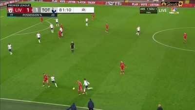 Fabinho casually removes the souls of Son and Lucas.